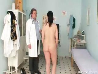 wicked gyno doctor examines the hairy cum-hole of