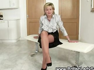 nylons older fetish wench acquires herself off