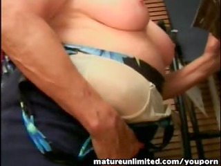 granny sucking the large penis reasly amateur