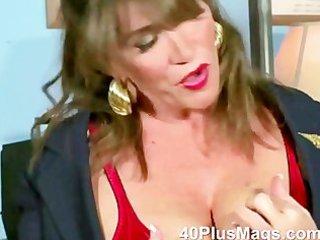 watch this extraordinary hot older brunette