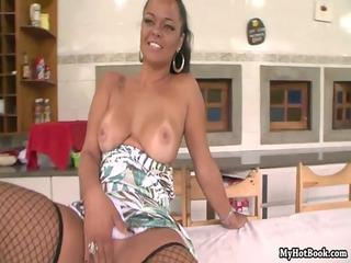 horny-big-butts-brazilian-mothers-4-scene4