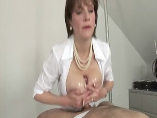 breasty femdom-goddess takes her job very