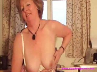 aged curly snatch fucking milf