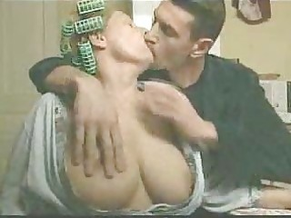 older wife gives blow job to soninlaw kitchen
