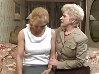 milf and granny lesbian babes