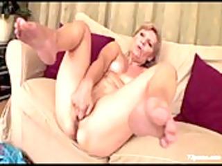 lascivious granny masturbate sof&agrave_