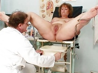 hairy bulky mommy gets harrassed by gynecologist