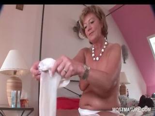 elegant stunning older hottie masturbating with